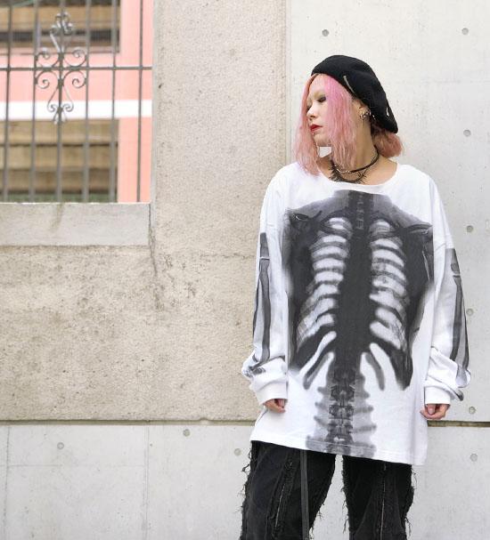 IKUMI 骨プリントロングTシャツ