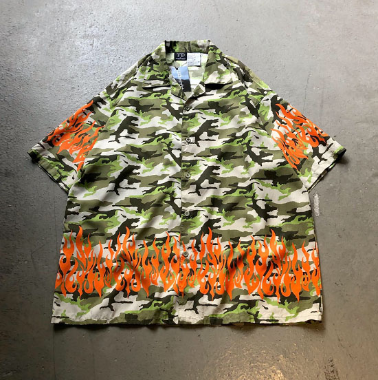 USED 古着 迷彩×ファイヤー柄オープンカラービッグシャツ
